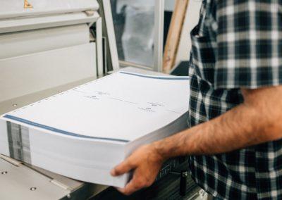 Druckerei Frechen Papierstapel